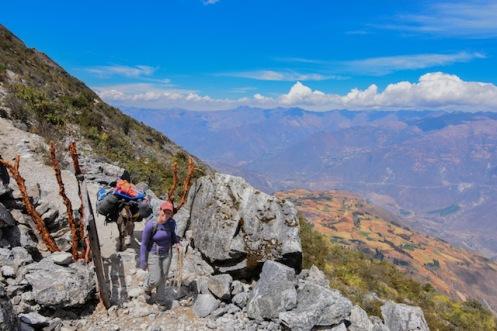 hiking in peru alpamayo trek