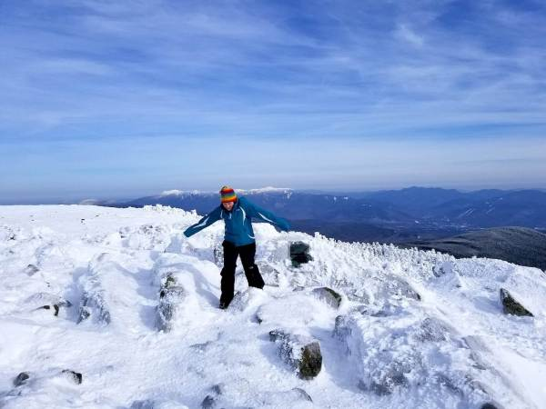 what to wear on a winter hike